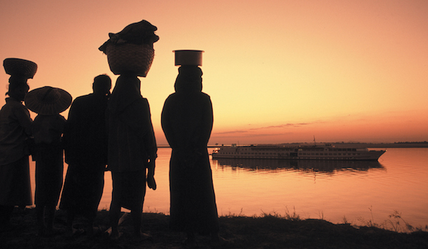 Myanmar-Road-to-Mandalay-Locals-at-sunset