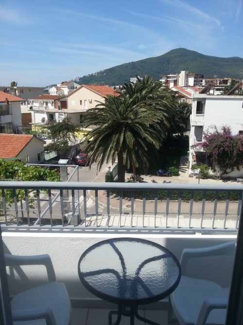No5_balcony