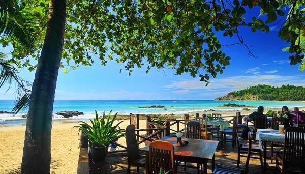 Myanmar_Ngapali_Beach_Lin_Thar_Oo_Lodge_0523_1_f71a21818f4786432f6a35b96a3ca832_600x399