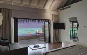 17_gallery_lagoon-suite-pool
