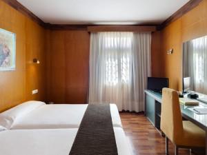 358-room-11-hotel-barcelo-santa-cruz-contemporaneo25-116722
