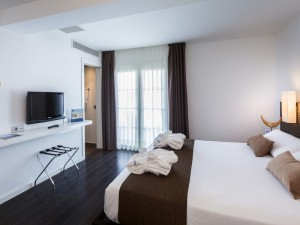 358-room-16-hotel-barcelo-santa-cruz-contemporaneo25-116727