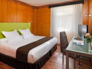 358-room-30-hotel-barcelo-santa-cruz-contemporaneo25-172188