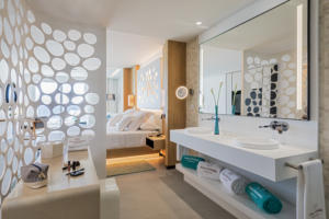 RH Corales Beach - Junior Suite with Jacuzzi - 1