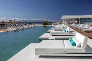 RH Corales Suites - Pool - 2