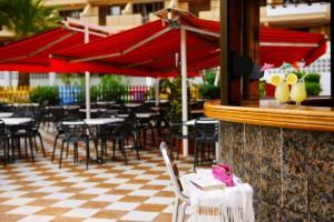 bar-terraza-family-garden-compostela-beach