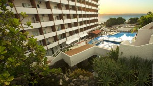 catalonia-punta-del-rey-fachada-piscina
