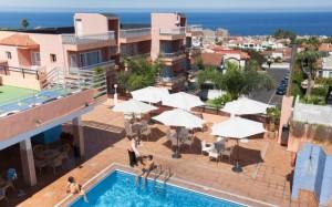 globales-acuario-piscina-terraza-bar-exterior