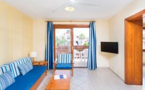 globales-tamaimo-tropical-apartamento-salon