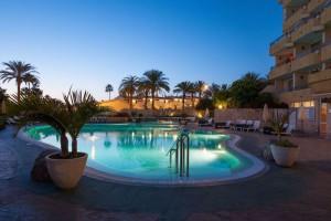 pool-night-OLE-tenerife-tropical-hotel
