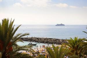 vista-mar-family-garden-compostela-beach